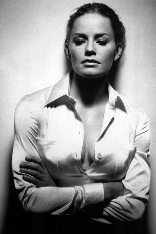 Elisabeth Shue
