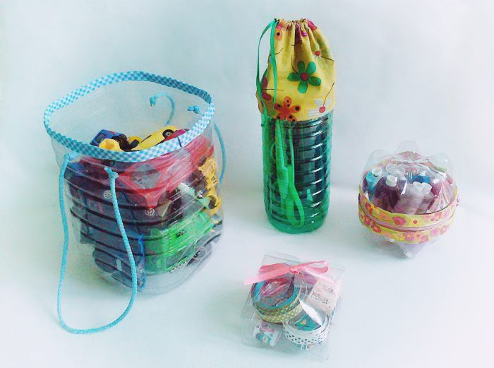 PET palack sajnos ma már mindenhol van, kisebb-nagyobb tárolókból viszont sosincs elég. Egyikből a másik azonban könnyen elkészíthető.