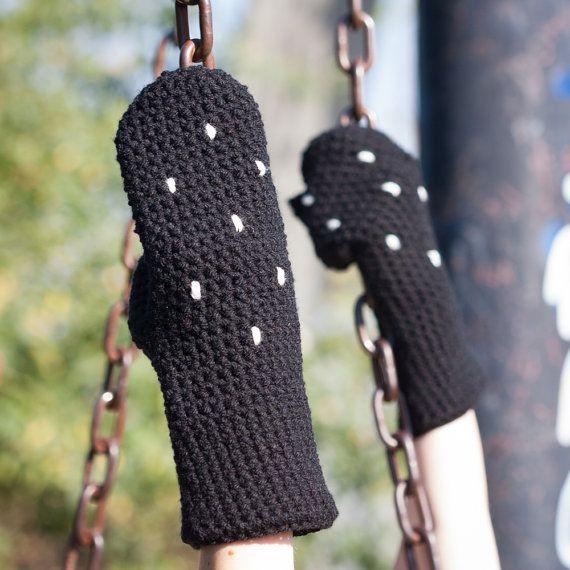 Black Polka Winter Mittens / Black White Dotted Arm by RUKAMIshop