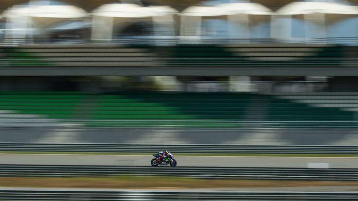 ESSAIS. Jorge Lorenzo n'a pas réussi à combler son retard sur son compatriote Marc Marquez lors de la troisième et dernière séance d'essai de pré-saison à Sepang en Malaisie. Le pilote Yamaha réalise son meilleur temps mais reste à 0.322s du double champion du monde. Le championnat moto GP doit reprendre le 29 mars sur le circuit qatari de Losail.