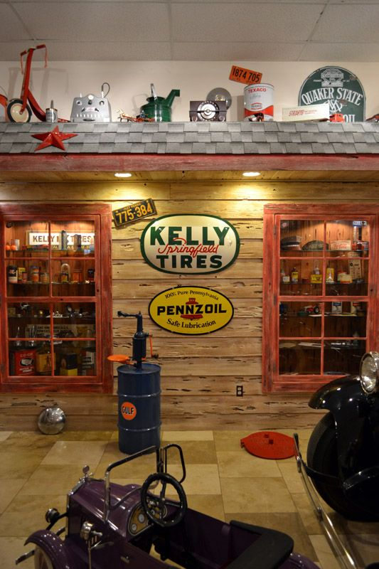 Old Gas Station | Vintage Texaco Gas Station | Route 66 Gas Stations | Petroleum Collectables