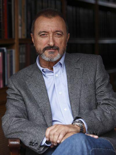 Arturo Pérez-Reverte, España, 1951 | reportero y periodista, actualmente escritor y miembro de la RAE - @perezreverte