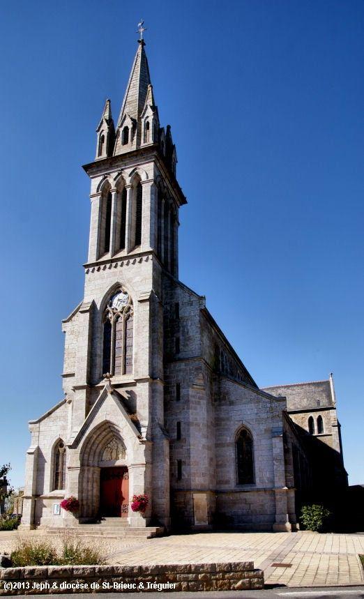 Église St-Jacques-St-Philippe à Plouasne.