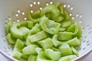 ... World's Best Tzatziki Sauce Recipe - Greek Yogurt and Cucumber Sauce