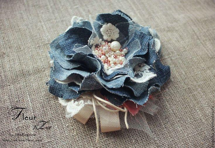 Купить Брошь Джинс - голубой, джинсовый стиль, джинсовая ткань, джинс, брошь из ткани