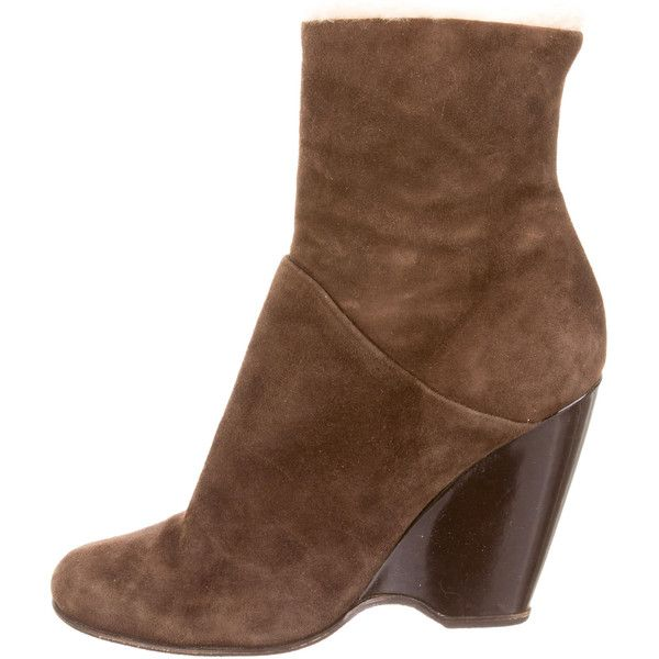 Pre-owned Giuseppe Zanotti Fur-Trimmed Wedge Booties ($155) ❤ liked on Polyvore featuring shoes, boots, ankle booties, brown, brown suede ankle booties, suede wedge booties, suede boots, brown wedge booties and brown wedge boots