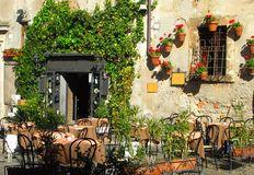 Italian outdoor cafe and wine bar Royalty Free Stock Photos
