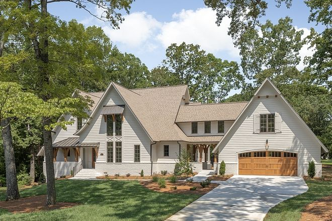 Benjamin Moore Olympic Mountains Exterior Siding Paint Color White Houses Are Just Oh So Popular And With A L House Exterior European House Farmhouse Exterior