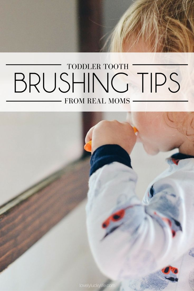 toddler teeth brushing advice from real moms - these are the tips to get your stubborn toddler to brush his teeth without a tantrum {ad} #BrushHappy @helloproducts