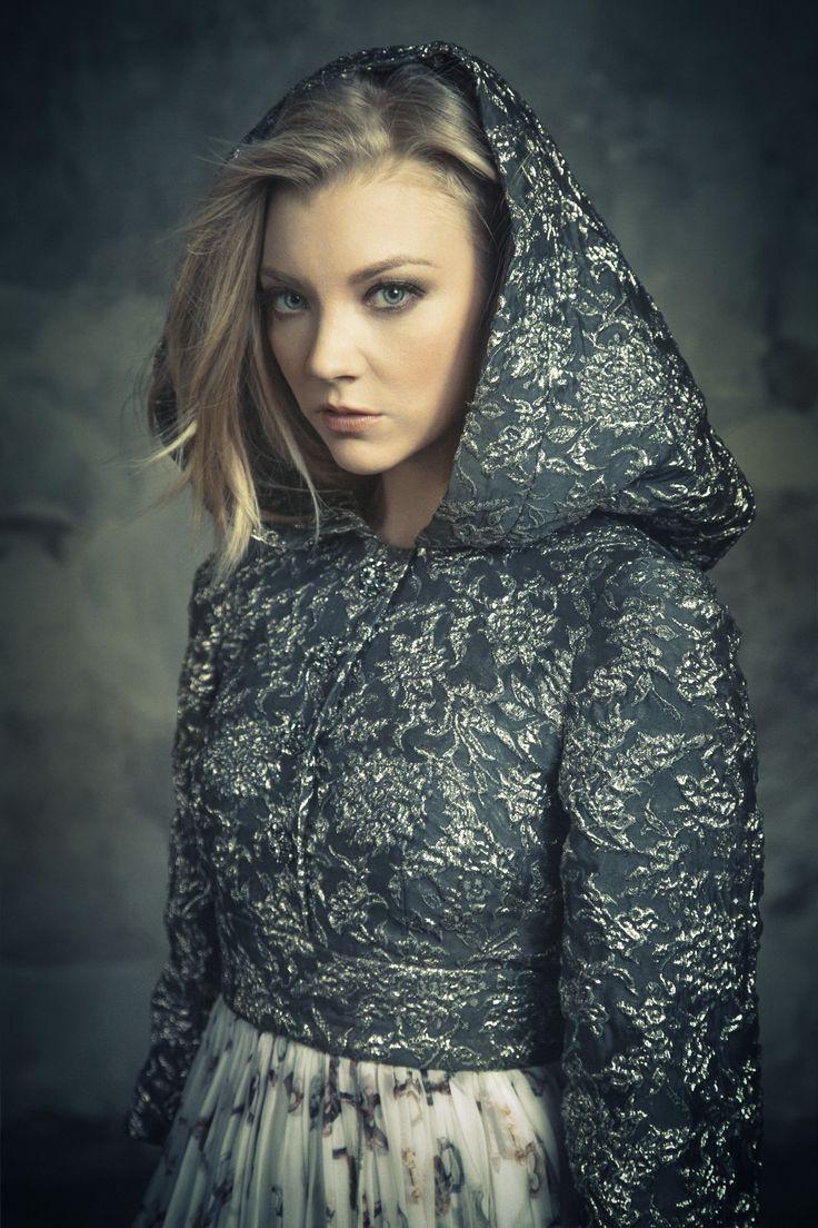 Natalie Dormer   Dolce & Gabbana dress