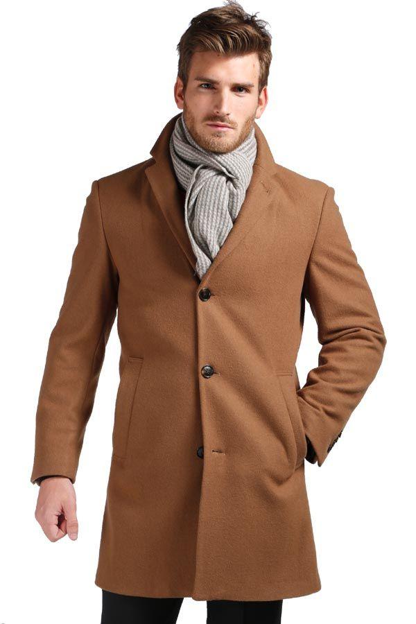 Frakke til mænd fra Pierre Cardin. Camel.
