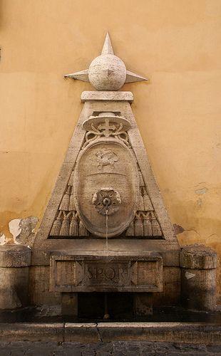 Roma, Fontana di Piazza della Cancelleria