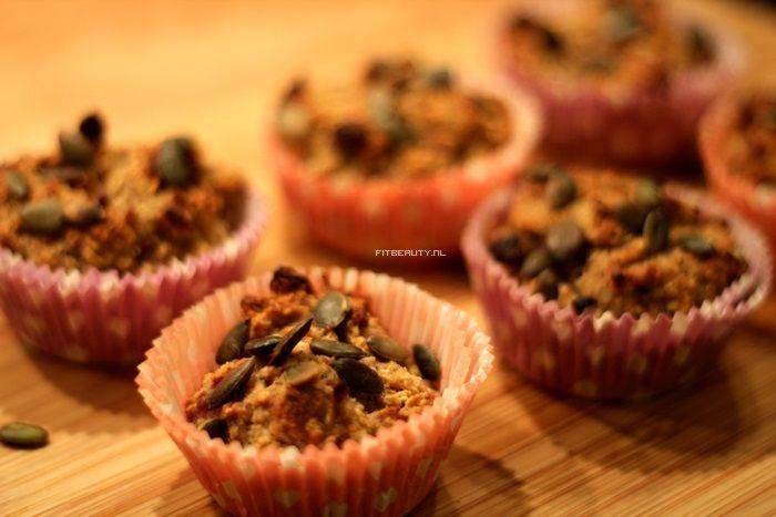 Zoete trek? Dan zijn deze muffins perfect! Ze zijn heerlijk zacht van binnen en krokant van buiten, klinkt bijna als een reclame. Haha. Ze zijn helemaal suikervrij en glutenvrij en…