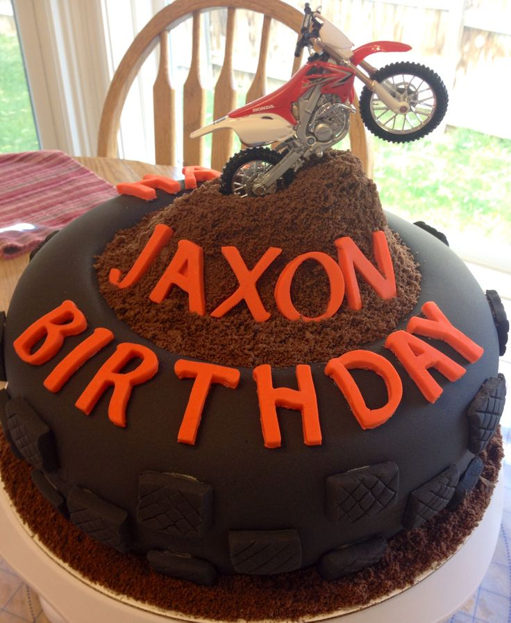 Motocross tire birthday cake 10 round two layer covered for What is dirt made out of