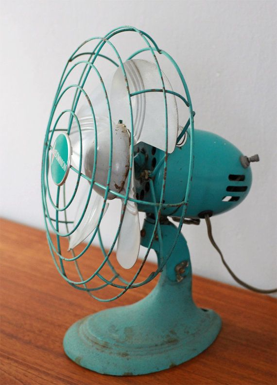 Vintage desk fan. I actually have this very same fan!
