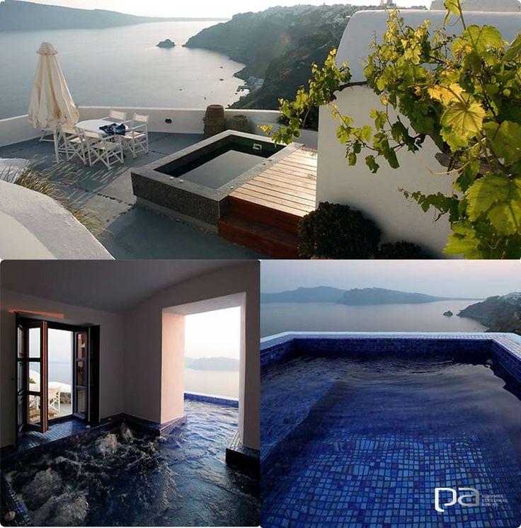 Un oasis romántico  Para una luna de miel perfecta el hotel Ikies Traditional Houses, en Santorini, Grecia, tiene todo lo que se necesita. Terrazas privadas y jacuzzis con vista al mar, hacen de este lugar un destino de ensueño.