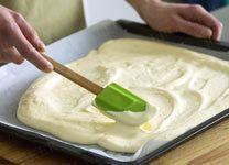 Biskuitrolle backen - 7 goldene Gelingregeln - biskuitrolle-backen-2