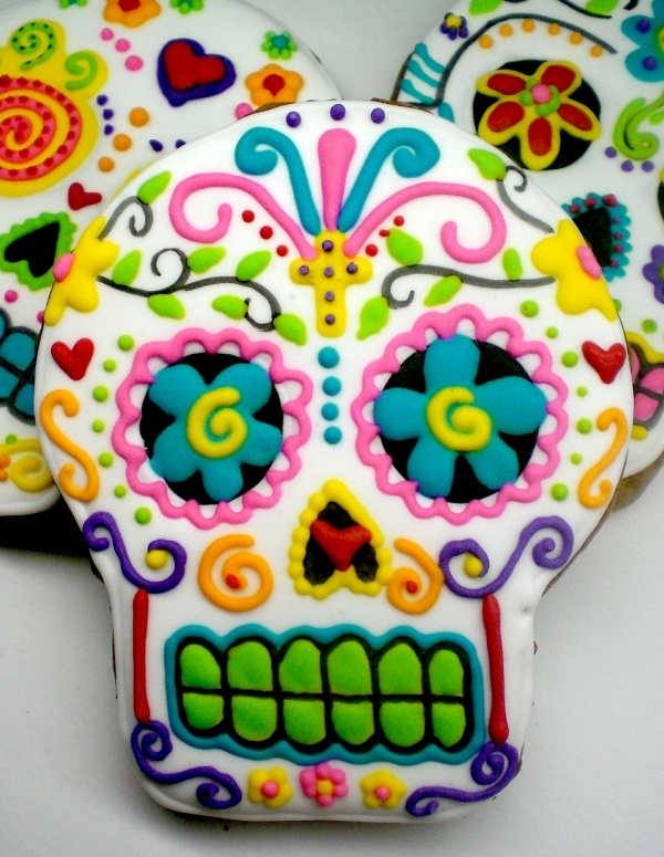 dia de los muertos skull cookies halloween partyhalloween ideashalloween cookiesmexican - Mexican Halloween Skulls