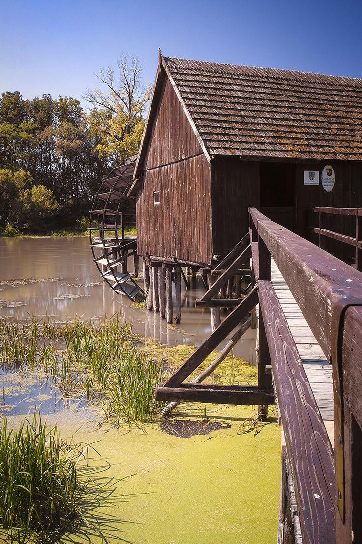 Wheeled watermill Tomasikovo, Slovakia