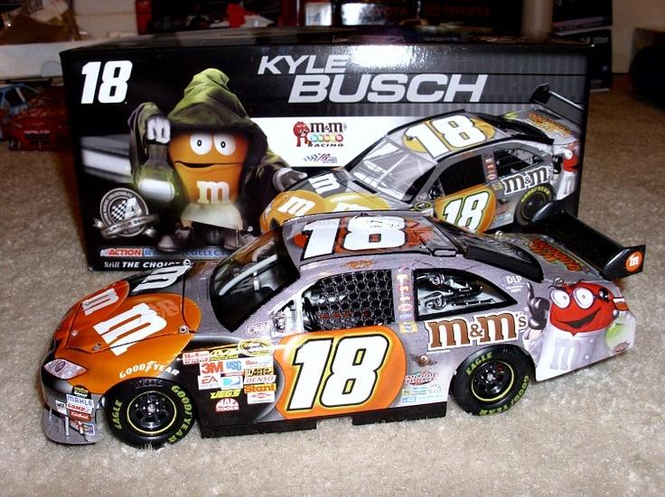 2008 halloween car 124 diecast - Kyle Busch Halloween Car