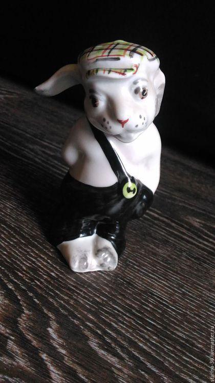 Заяц хулиган ( с рогаткой) Дулево в интернет-магазине на Ярмарке Мастеров. высота 12 см, основание 5*5 ИДЕАЛ!!