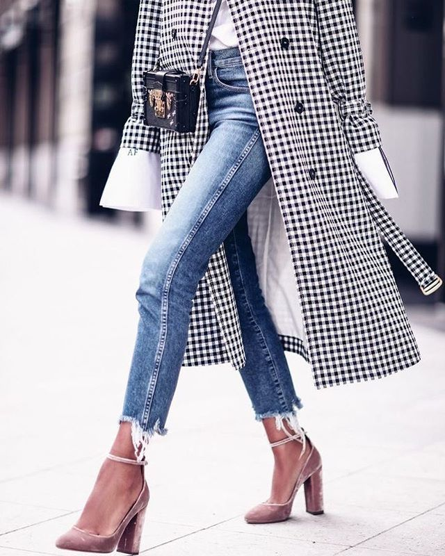 TRENCH STYLE...  Nuevo post en mi blog: http://ift.tt/2tDygcc #zdm #trench #rainydays #style #stylish #streetstyle #fashion #chic #glam #blogger #cool #love #girl #look #pinterest #outfit #pretty #beautiful #inspiration #trend #moda #estilo #cute #trendy #instamood #instamoment #instagram  vía @pinterest