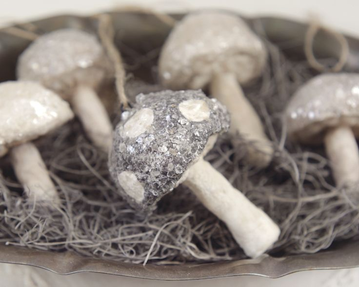 Learn how to make spun cotton mushrooms with the simplest materials (cotton balls!!)