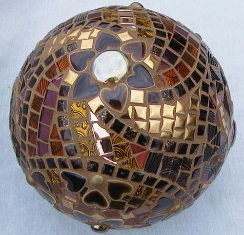 Betty's Ball Top by artandartifacts, via Flickr