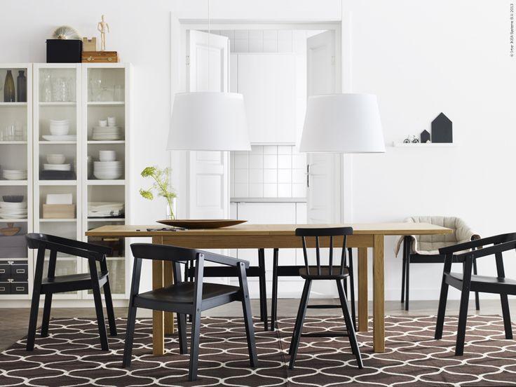 Inspiration hämtad ur IKEA katalogen 2014. BJURSTA matbord, ESBJÖRN stolar.