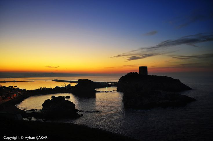 https://flic.kr/p/Ay7rVj | Sunset Breathtaking Şile Castle | Sunset breathtaking Şile Castle and Cove. Günbatımı nefes götüren Şile Kalesi ve Koyu. Centrum, Şile District, Istanbul, Turkei. There has been a fishing village here since 700 BC and a lighthouse since the Ottoman period. Today, Şile is a beach resort, popular with people who want a resort atmosphere without the expense of travelling to the Mediterranean Sea. One1stanbul Photo Album - Candidate Photographs. NATIONAL SUGRAPHIC…
