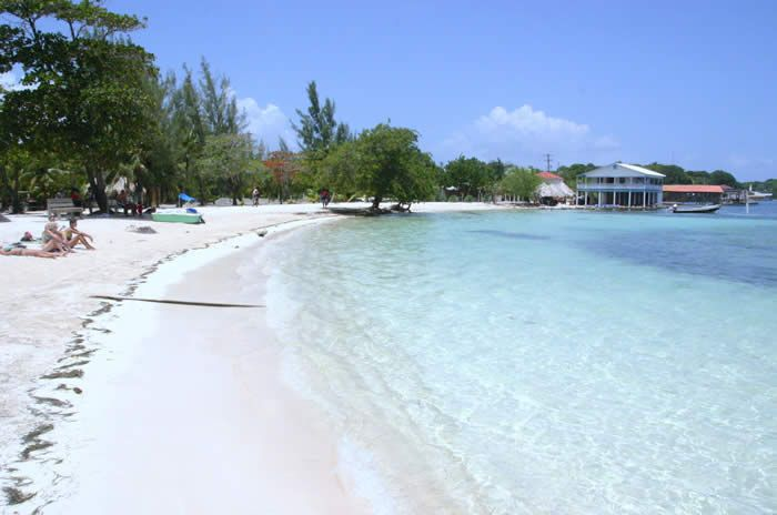 how to get to utila from roatan
