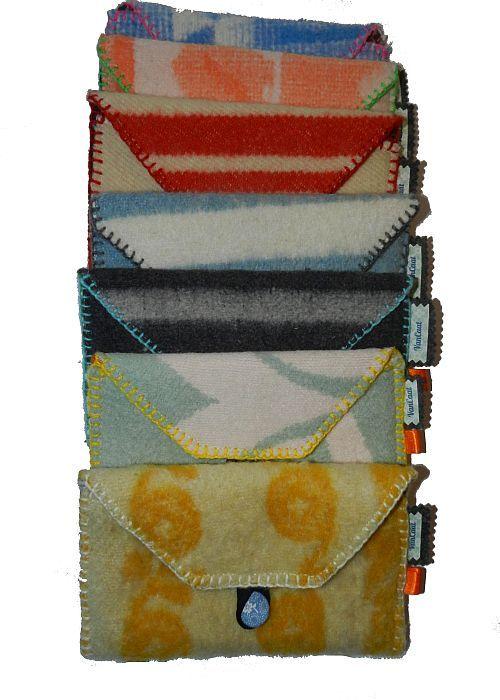 Opbergtasjes van Vintage Wollen Dekens. VanCaat. http://www.vancaat.nl/kleine-tasjes