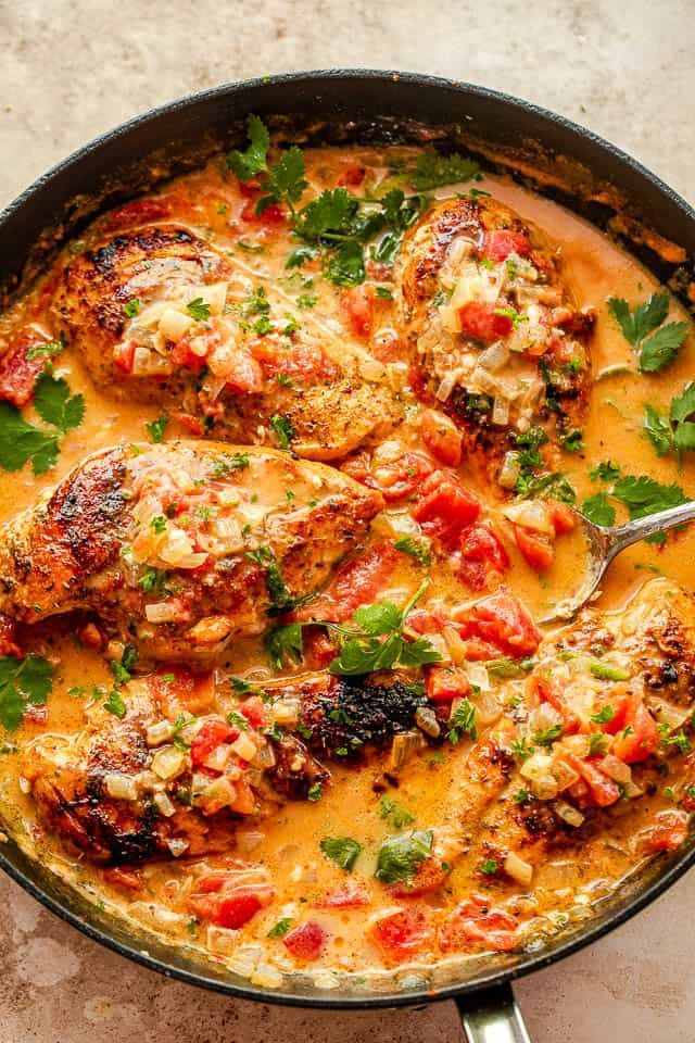 This Coconut Milk Chicken Recipe Comes Together In One Pan With A Creamy Sauce That S O Easy Chicken Dinner Recipes Milk Recipes Dinner Coconut Chicken Recipe