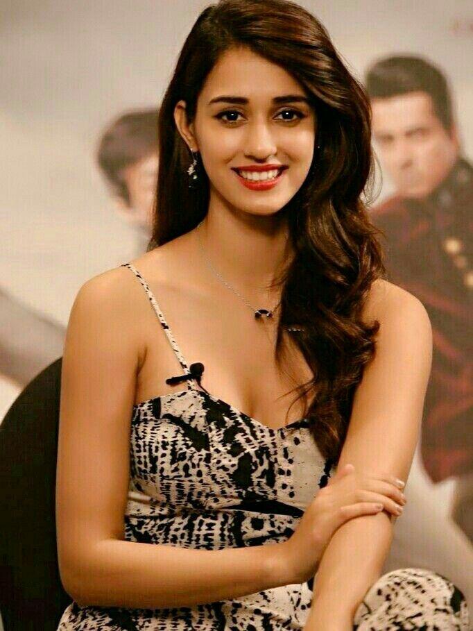 dishapatani #BioBollywood #offeronlinemarketing #Bollywoodfacthaibhai | Beautiful indian actress, Disha patani photoshoot, Disha patani
