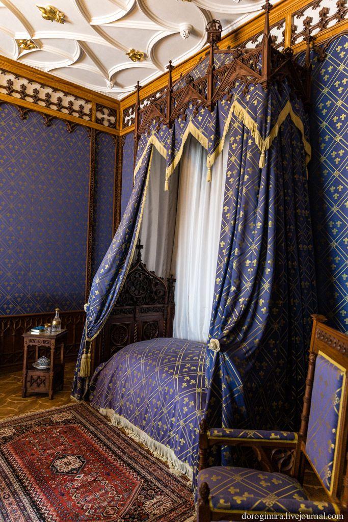 Спальня замок Сихров