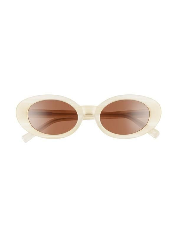 An etiquette expert filled us in on the exact situations in which it's rude to wear sunglasses. Read her eye-opening insight here.