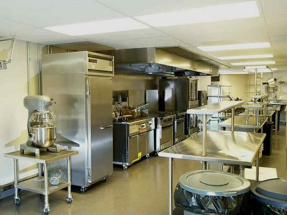 Delightful Commercial Kitchen For Rent