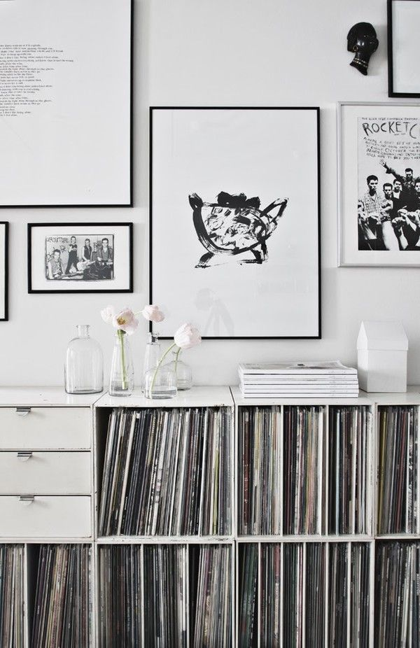 black and white art wall   Da Daa blog