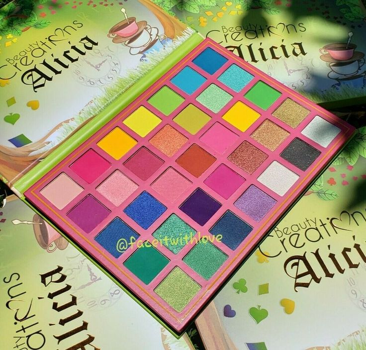 Beauty Creations ALICIA 35 Color Eyeshadow Palette Highly