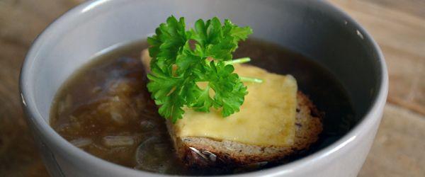 Antioxidanten boost: uiensoep voor een luie zondag - Eerlijker Eten