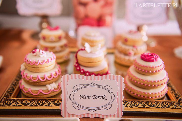 #sweettable #candybar #słdokistół #cracow #sweets #mini #cake