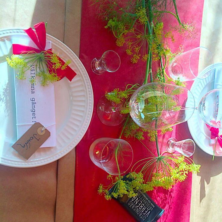 Dukning, bordsplacering på kräftskiva  Crayfishparty