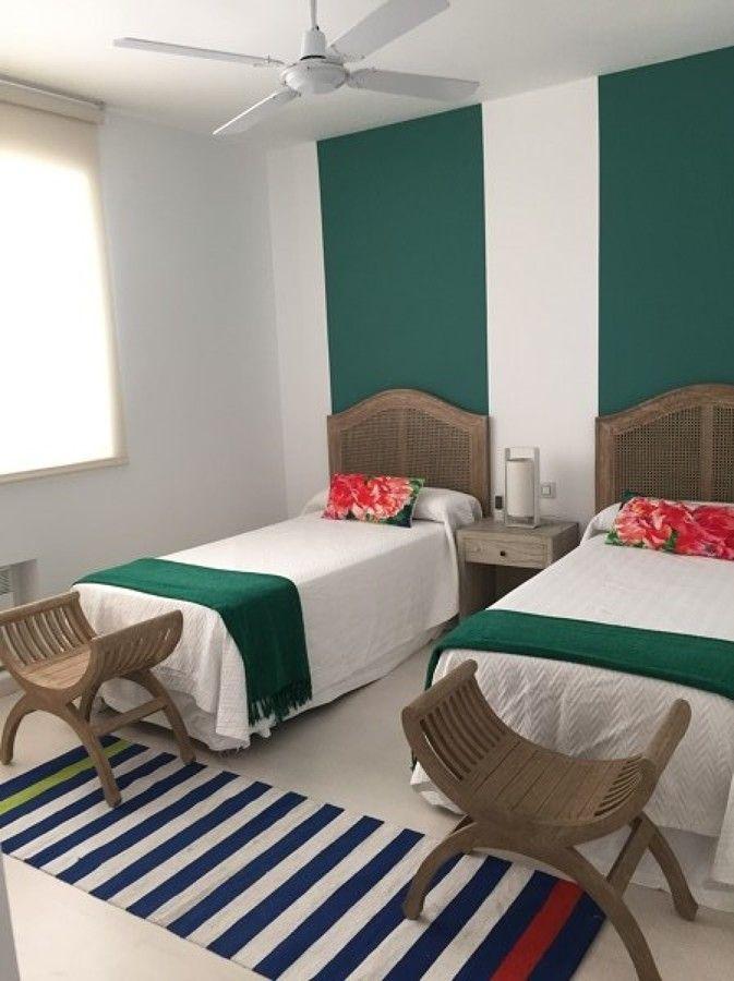 Colorido y apartamento en la playa #hogarhabitissimo #dormitorio