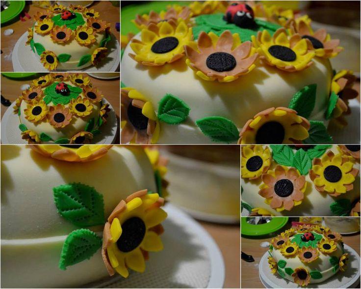 #sunflower #Ilovecakes #flowercake #yellowandceamcake