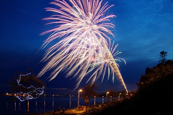 Stay until the end of the our Canada Day celebration on White Rock Beach to watch our firework display light up the night sky!