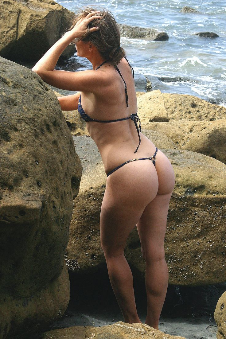 Jada pinkett smith wears thong bikini in hawaii