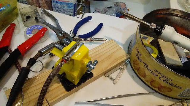 自宅録音研究所 Bedroom  Recordings Blog: 断線したギター用のシールドを修理する方法:フェンダーのケーブル メンテナンス