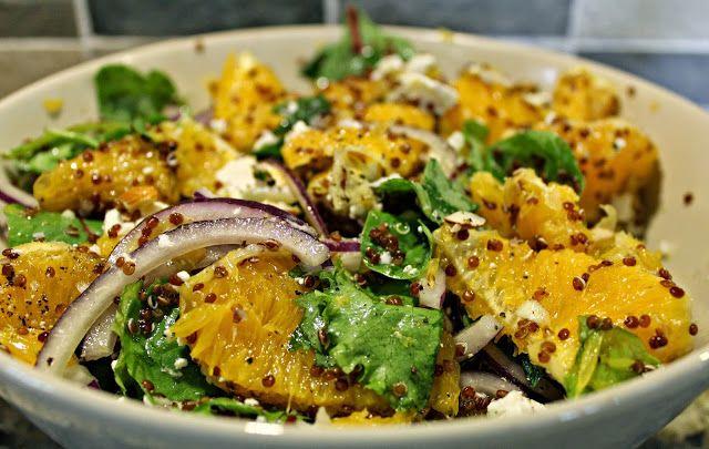 Apelsinsallad med quinoa, fetaost och mandel