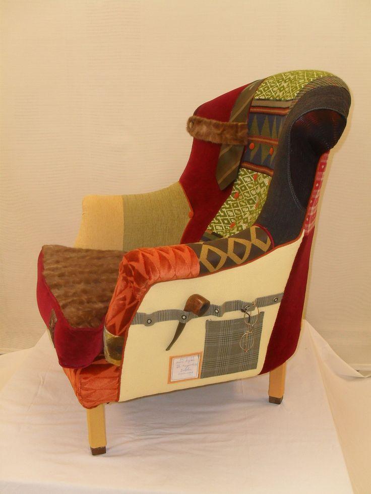 Herinnerings-stoel, meubels gestoffeerd met textiel van overledene personen.