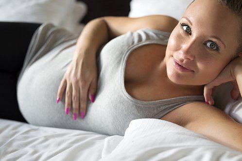 Jsou důležité pro správný vývoj plodu iproti běžným chorobám, které jsou vtěhotenství dvojnásobně nepříjemné. Které vitamíny a bylinky by si měly dopřát gravidníženy?